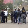 Poliţiştii gorjeni au reţinut, marţi, nu mai puţin de 12 tineri suspectaţi cã fac parte dintr-o grupare compusã din 14 persoane implicate în furturi de cabluri de fibrã opticã, pentru...