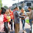Aşa cum s-a obişnuit în ultimii ani, s-a mers în mai toate cartierele din Târgu-Jiu, acolo unde cei care le-au ieşi în cale, au primit câte o ciocolată şi o...