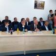 Noul primar al municipiului Târgu Jiu, Marcel Romanescu, a fost instalat miercuri în funcţie, la ceremonie participând atât consilierii locali, cât şi o mulţime de prieteni şi colegi ai...
