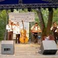 """Cel mai mare festival de muzică lăutărească din Gorj şi din Oltenia a avut loc luni 28 august la Târgu-Cărbuneşti. Festivalul de muzică lăutărească autentică """"Gena Bârsan"""" a fost organizat..."""