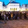 Liberalii gorjeni au reuşit luni seara să bifeze rapid câteva premiere la protestul pe care l-au organizat în centrul oraşului pentru a da citire moţiunii de cenzură depusă la Parlament...